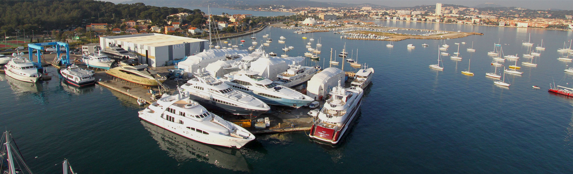 Port de St Mandrier chantier naval yachting IMS 300